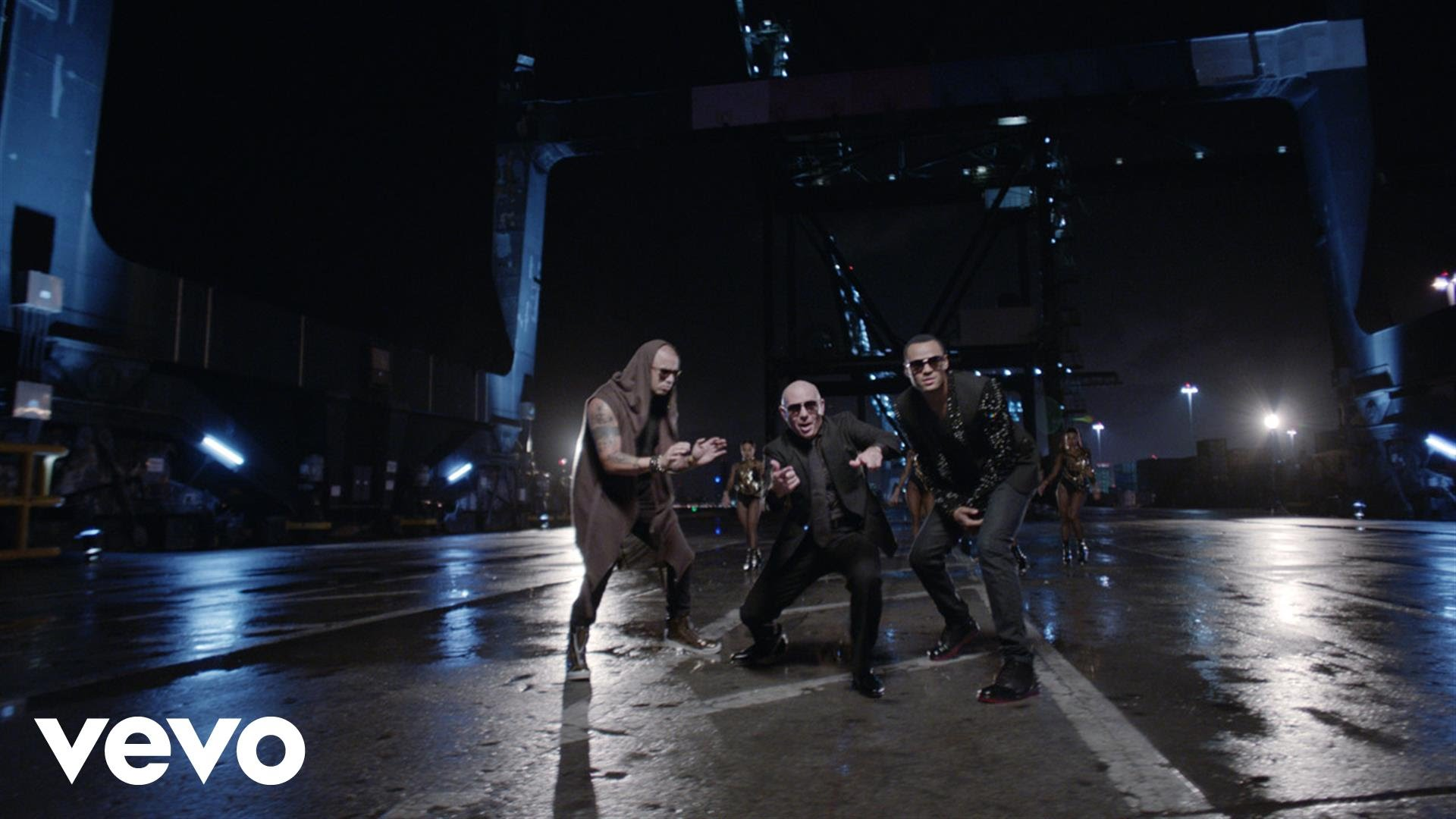 Pitbull ft. Mohombi & Wisin – Baddest Girl in Town