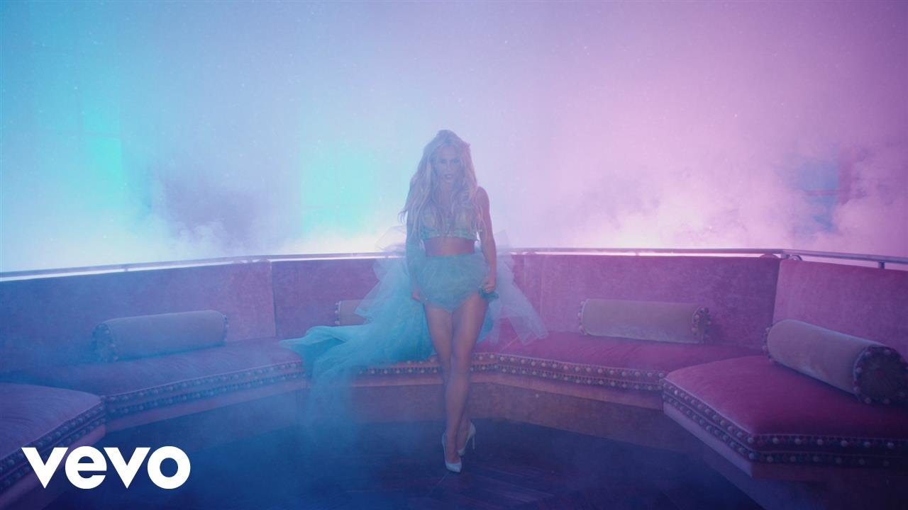 Britney Spears – Slumber Party ft. Tinashe