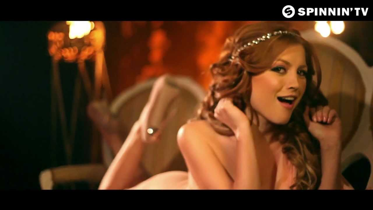 Elena Gheorghe – Your Captain Tonight
