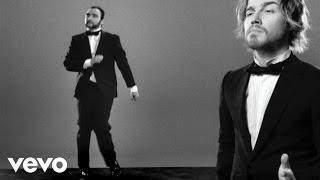 Julien Doré – Les limites (Julien chante / le Barbu danse)