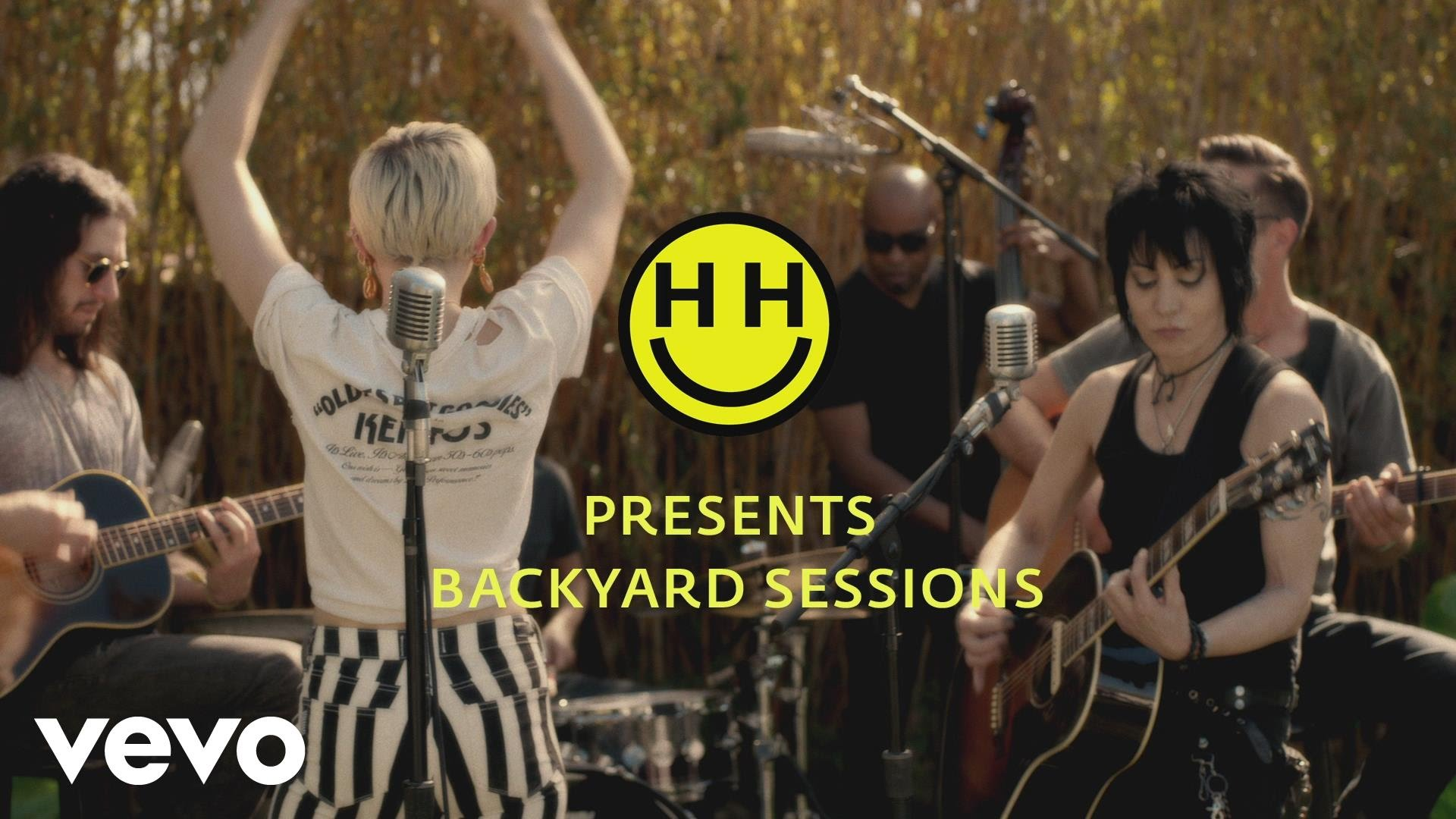 Miley Cyrus & Joan Jett – Different (Backyard Sessions)