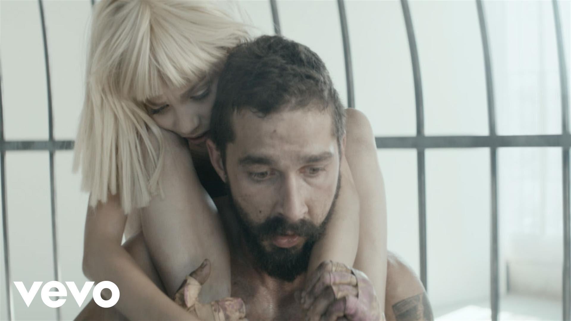Sia – Elastic Heart feat. Shia LaBeouf & Maddie Ziegler