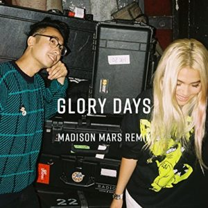 Télécharger le single Glory Days (feat. Hayley Kiyoko) [Madison Mars Remix] de Sweater Beats