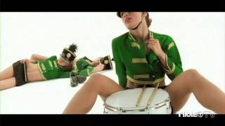 Alex Gaudino feat. Crystal Waters – Destination Calabria [Explicit Version]
